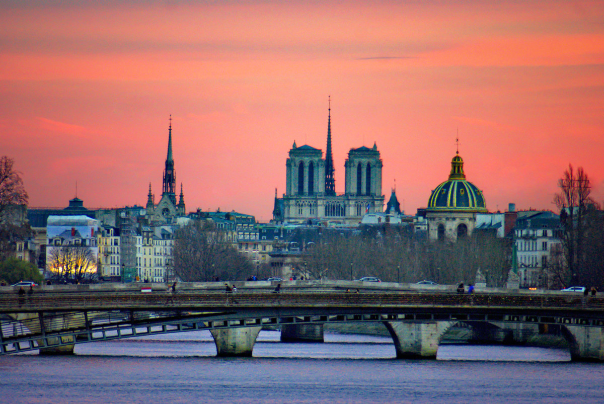 Pont de la Concorde, Paris © French Moments