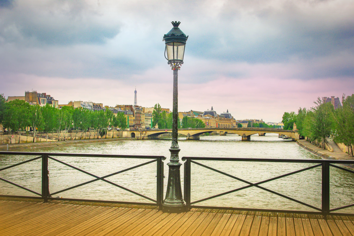 Pont des Arts, Paris © French Moments
